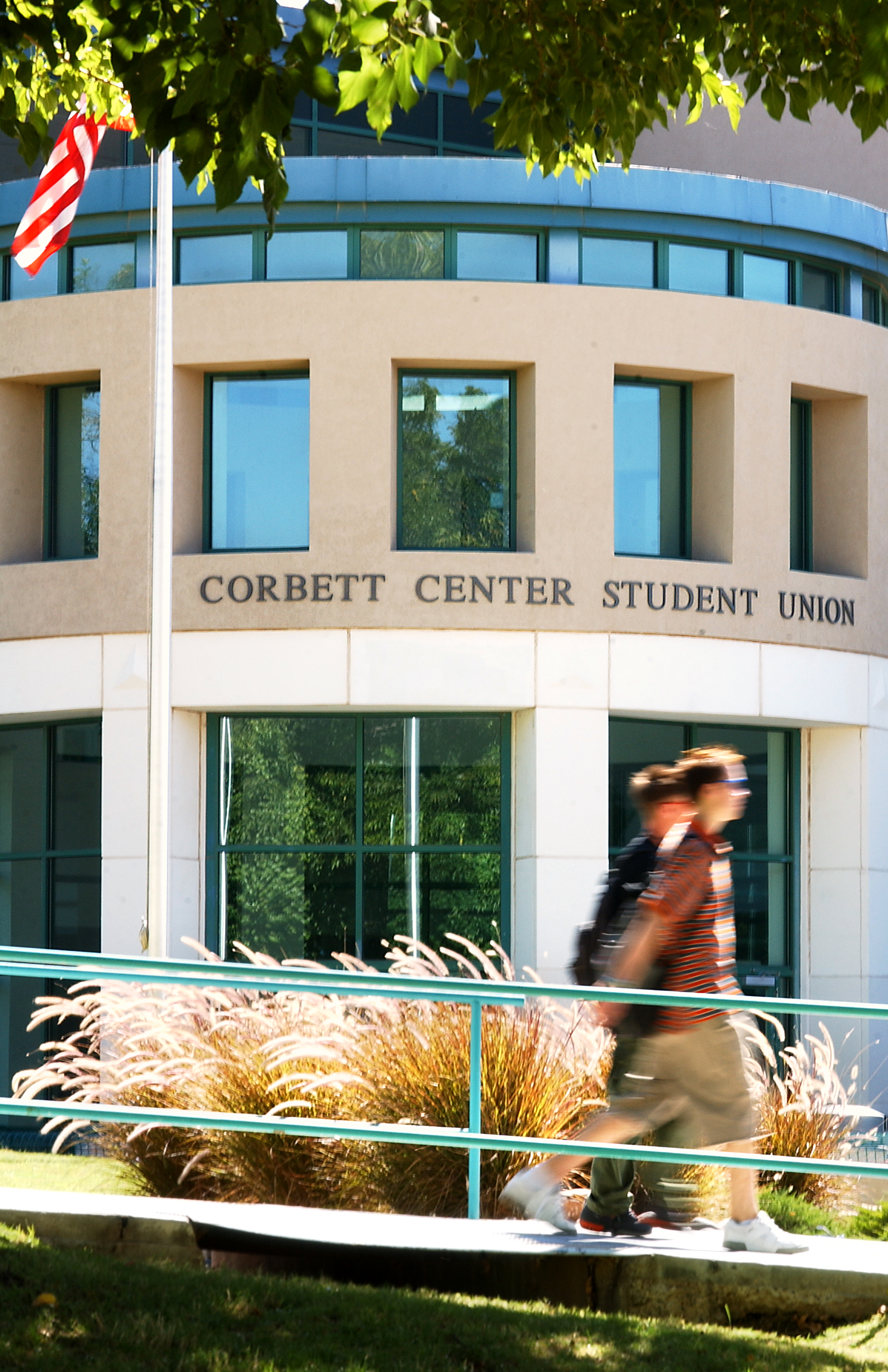 fullres_corbett_center_092502
